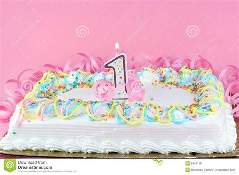 bolo de aniversario bonito  vela iluminada fotos de