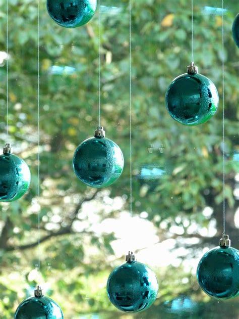 cutest  easiest diy christmas window decorations