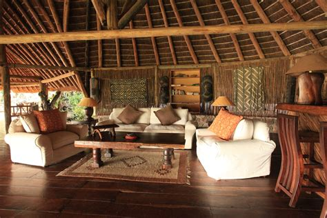 apoka safari lodge holiday accommodation  uganda africa