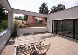 Haus Mit Dachterrasse : kleines haus mit pergola ~ Frokenaadalensverden.com Haus und Dekorationen