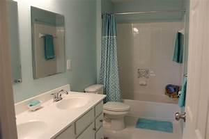 Rideau Bleu Pastel : gris et bleu deux couleurs en osmose dans la salle de bain 23 id es d co ~ Teatrodelosmanantiales.com Idées de Décoration