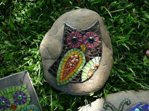 Garten Gestalten Steine by Mosaik Basteln Stein Mosaik Im Garten Gartenwege