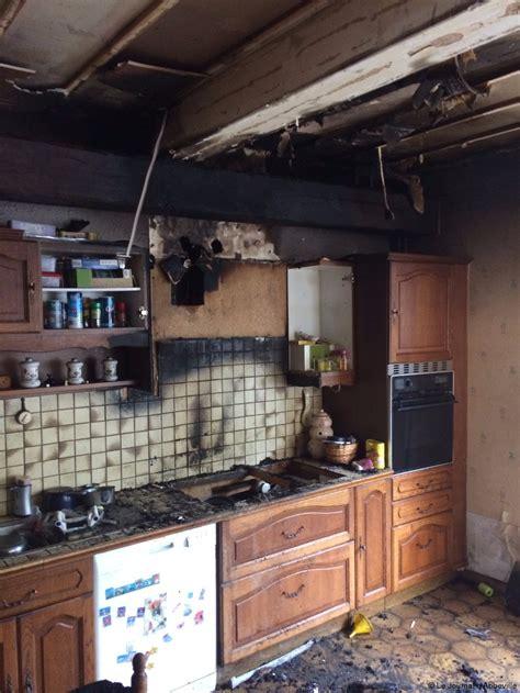 des vers dans la cuisine épagne épagnette feu de friteuse et gros dégâts dans la