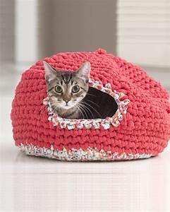 Panier Pour Chat Original : 4 tutoriels gratuits pour crocheter un panier pour son chat marie claire ~ Teatrodelosmanantiales.com Idées de Décoration