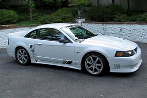 Oxford White 2001 Saleen S281 Ford Mustang Coupe - MustangAttitude.com Photo Detail