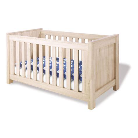 chambre bébé bio lit bébé carus décor chêne pinolino natiloo com la