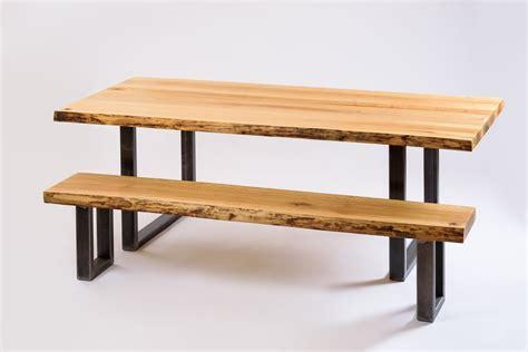 quel rehausseur de chaise choisir quelles chaises choisir pour accompagner une table en bois