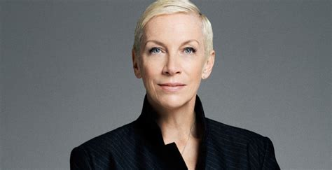 annie lennox biography childhood life achievements