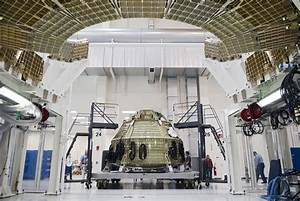 Orion Spacecraft Inside the Operations & Checkout Building ...