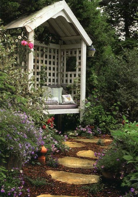 cozy  inviting reading garden nooks gardenoholic