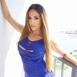 Total Divas Star Nikki Bella to Undergo Neck Surgery: Find ...