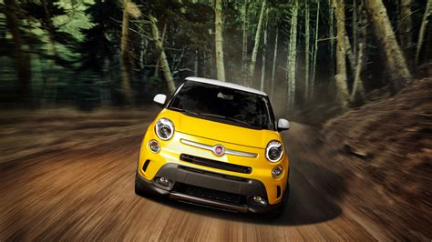 2013 Fiat 500l 2 Wallpaper