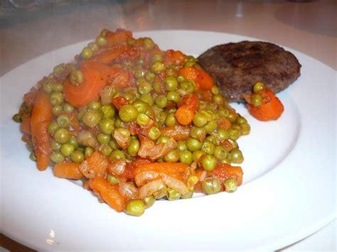 cuisiner petit pois carotte en boite malène aux fourneaux petits pois carottes à la tomate