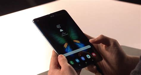here s why galaxy fold design is better than mate x says samsung exec