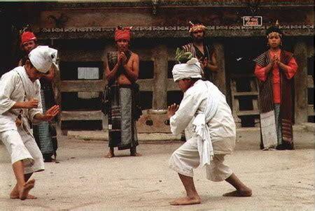 marmoncak ilmu bela diri  tanah batak batak culture