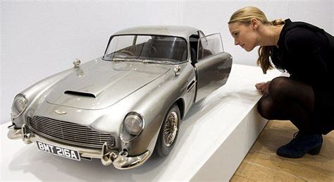 13 Scale Model 007 Aston Martin Db5 Used In The Filming