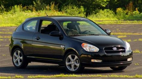 Hyundai Accent 2008 by Review 2008 Hyundai Accent Se Autoblog