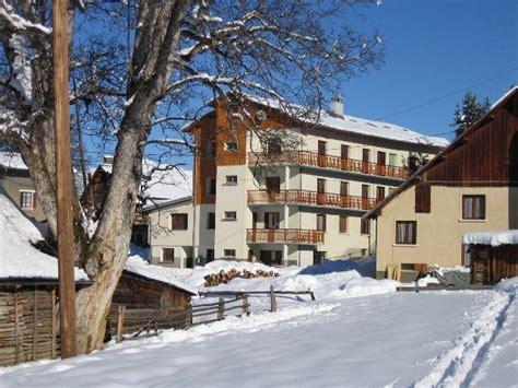 centre de vacances 73 chalets les ecureuils s 233 jour au ski albiez montrond savoie sybelles