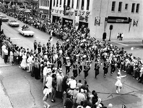 photo gallery  history   barrington area chicago