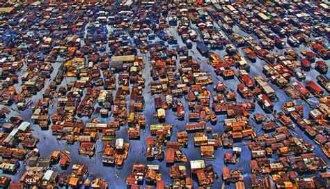 The Human Settlements: Lagos : A Pre - Mature Megacity