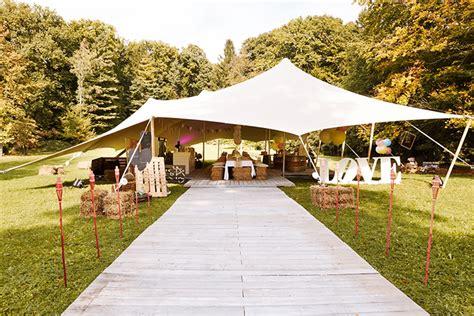 Eine Entspannte Vintage Garten Hochzeit Friedatherescom