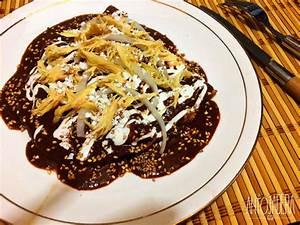 La Antojadera | Enchiladas de Mole