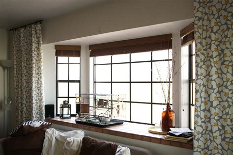 Ideas For Bay Window Treatments In The Living Room