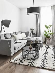 Schöne Teppiche Fürs Wohnzimmer : toller teppich der handgetuftete wollteppich passt perfekt in das monochrom gehaltene ~ Frokenaadalensverden.com Haus und Dekorationen