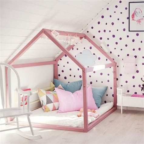 cabane chambre fille lit cabane dans une chambre d 39 enfants lit cabane lits
