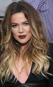 Balayage Cheveux Bouclés : balayage chatain clair blond ~ Dallasstarsshop.com Idées de Décoration
