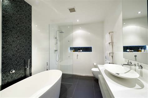 bathroom ideas in small spaces good modern bathroom design ideas small spaces 18 about