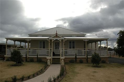 dalby removal homes queenslander  colonial homes