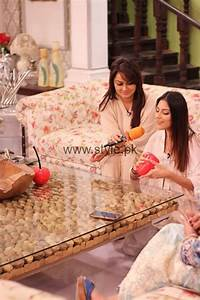 Javeria Abbasi with her daughter in Good Morning Pakistan