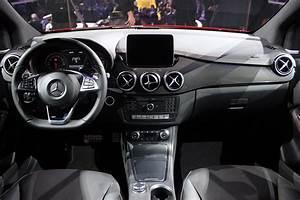 Mercedes Classe B 2014 : mercedes classe b restyl mise au point vid o en direct du salon de paris 2014 ~ Medecine-chirurgie-esthetiques.com Avis de Voitures
