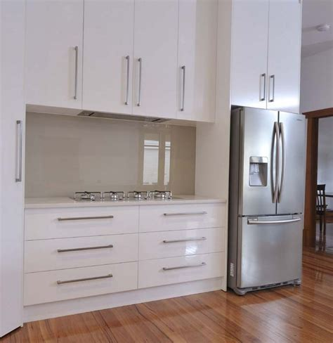 kitchen designs pics white kitchen glass splashback search kitchen 1522
