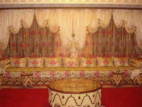 modele de chambre a coucher simple rideaux voilage de salon marocain traditionnel déco
