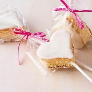 Valentinstag Kuchen In Herzform : schnelle zitronenherzen rezept baken kuchen herzform valentinstag backen und rezepte ~ Eleganceandgraceweddings.com Haus und Dekorationen