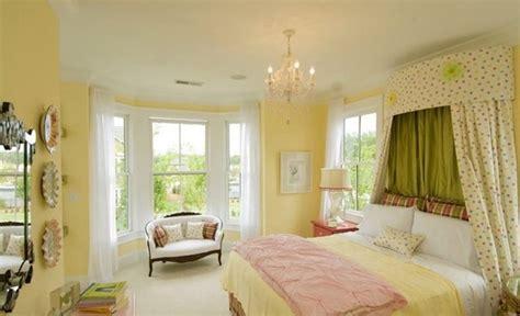 15 Zesty Yellow Bedroom Designs