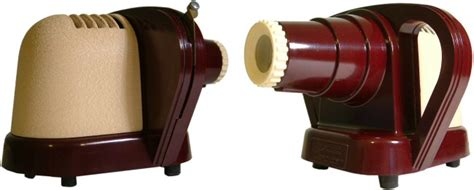 a sawyers junior projector manufactured in bakelite