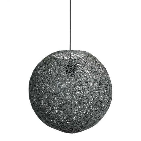 suspension boule grise maison parallele