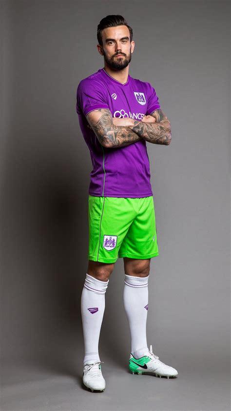 Bristol City 17/18 Away Kit by Bristol Sport - SoccerBible