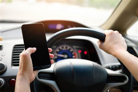 5 padomi, kā kļūt par uzmanīgāku autovadītāju