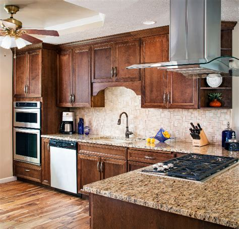 Project Gallery  Kitchen Cabinets Omaha  Countertops. Dark Kitchen Cabinets Small Kitchen. Glass Kitchen Tiles Uk. Kitchen Storage Online India. Kitchen Dark Cabinets Light Countertops. Kitchen Glass Lighting. Granite High Top Kitchen Tables. Paint Kitchen Hardware. Terraced House Kitchen Diner