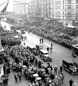 File:Rudolph Valentino funeral 1926.jpg - Wikimedia Commons