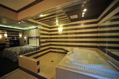 hotel avec bain a remous dans la chambre une nuit à l 39 hôtel châtelaine