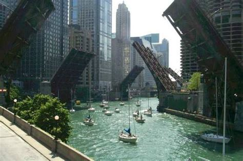 Chicago Boat Tours Near Me by Bridges Open The Chicago River