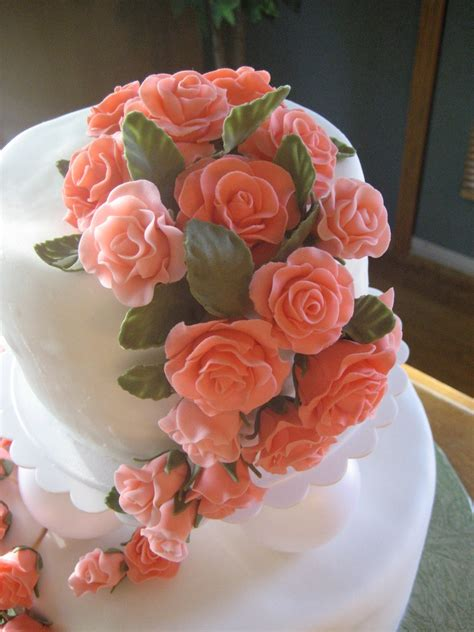 how to make the color coral fondant roses in coral color cakecentral