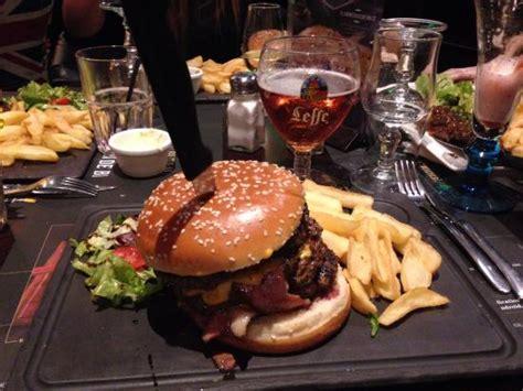 pub brasserie au bureau au bureau colossal burger photo de pub brasserie au