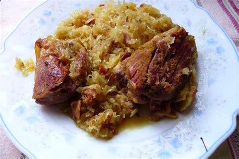 cuisiner un jarret de porc choucroute et jarret de porc confit aux épices les