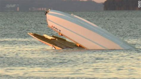 Boat Accident Virginia Beach by Potomac River Speedboat Crash Kills 2 Cnn